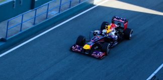 Red-Bull, critique, Renault