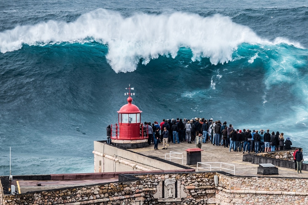 Vague à Nazaré